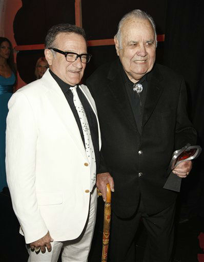 "<div class=""meta ""><span class=""caption-text "">Robin Williams, left, and Jonathan Winters are seen backstage at the TV Land Awards on Sunday June 8, 2008 in Santa Monica, Calif.  (AP Photo/ Matt Sayles)</span></div>"