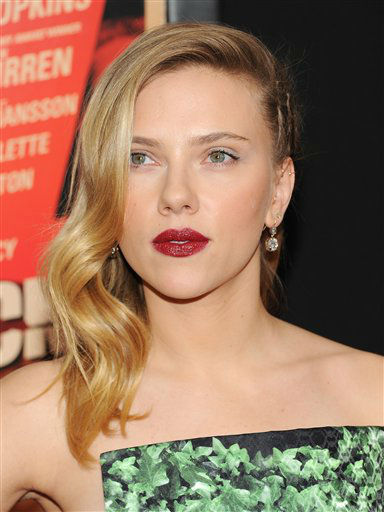 Scarlett Johansson attends the premiere for &#34;Hitchcock&#34; at the Ziegfeld Theatre on Sunday Nov. 18, 2012 in New York.  <span class=meta>(Photo&#47;Evan Agostini)</span>
