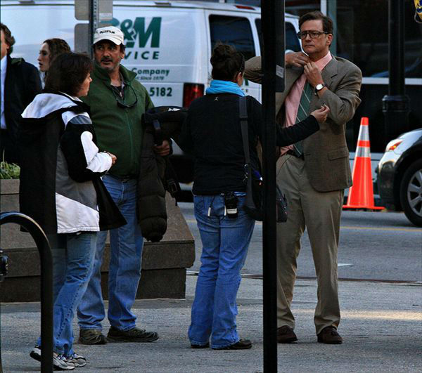 Colin Firth on the set of Arthur Newman, Golf Pro in downtown Raleigh. <span class=meta>(Photographer Maureen Lingle)</span>