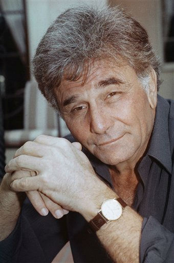 "<div class=""meta ""><span class=""caption-text "">Peter Falk, photographed in Los Angeles on March 10, 1989, celebrates the 20th anniversary of ""Columbo.""  (AP Photo/ Tonyo Everett)</span></div>"