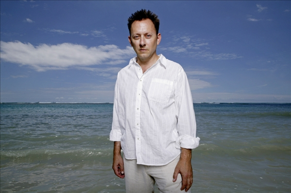 Actor Michael Emerson, a cast member of the hit ABC dramatic series &#34;Lost,&#34; poses at Ala Moana Beach Park, Saturday, Sept. 16, 2006 in Honolulu.  <span class=meta>(AP&#47;Marco Garcia)</span>