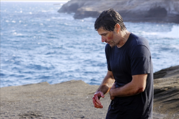 "<div class=""meta ""><span class=""caption-text "">In this image provided by ABC, Matthew Fox appears as Dr. Jack Shephard in the series finale of ""Lost.""  (AP/ABC, Mario Perez)</span></div>"