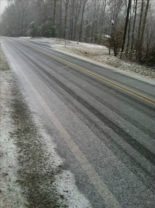 "<div class=""meta image-caption""><div class=""origin-logo origin-image ""><span></span></div><span class=""caption-text"">Parts of the Triangle saw a light snow Sunday (WTVD Photo/ uReport viewer submitted image)</span></div>"