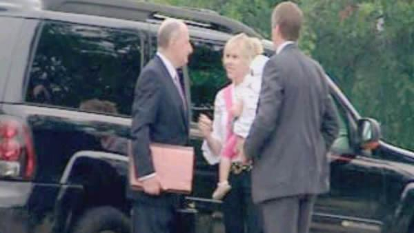 Rielle Hunter arrives to testify before a grand jury in Raleigh