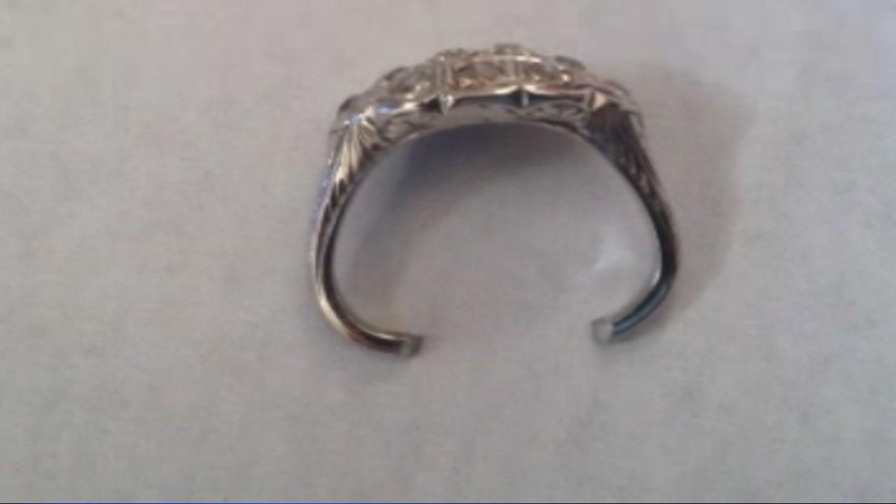 Woman needs help with damaged ring dispute