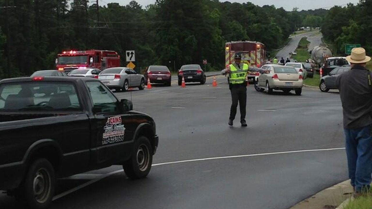 Highway 301 in Fayetteville reopens after standoff