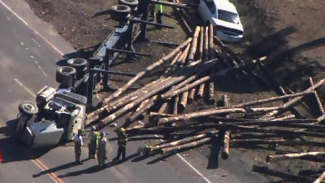 Log truck accident in Sanford