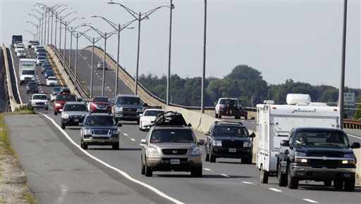 "<div class=""meta ""><span class=""caption-text "">Traffic heads north on the Garden State Parkway across the Great Egg Harbor Bay Inlet Bridge, Friday, Aug. 26, 2011, near Ocean City, N.J., as much of the Jersey shore evacuates inland ahead of Hurricane Irene.  (AP Photo/ Mel Evans)</span></div>"