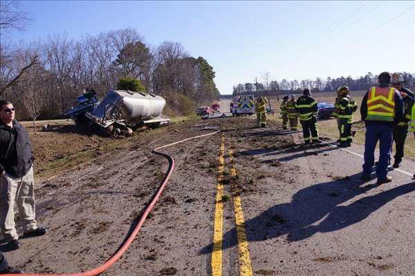A tanker truck and a car were involved in a crash on Highway 15&#47;501 north of Carthage, in Moore County, close to Kelly Rd. <span class=meta>(WTVD&#47;Frank Staples)</span>