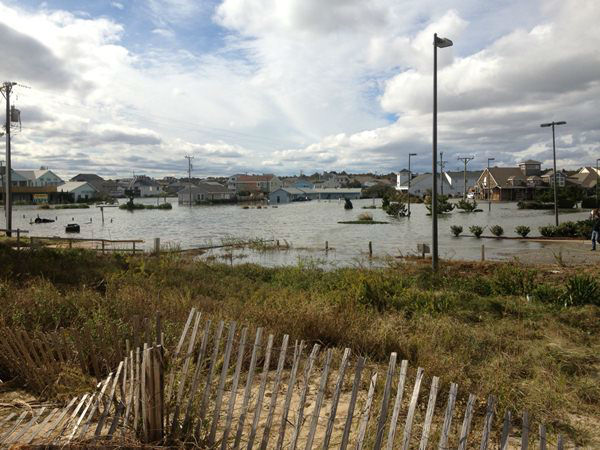 "<div class=""meta ""><span class=""caption-text "">Kitty Hawk after Hurricane Sandy (WTVD Photo/ Scott Dean)</span></div>"