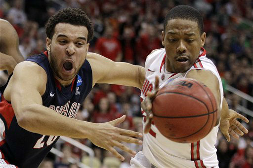 Gonzaga&#39;s Elias Harris, left, has the ball batted away by Ohio State&#39;s Lenzelle Smith during the second half of an NCAA tournament third-round college basketball game in Pittsburgh, Saturday, March 17, 2012. Ohio State won 73-66.  <span class=meta>(AP Photo&#47; Gene J. Puskar)</span>