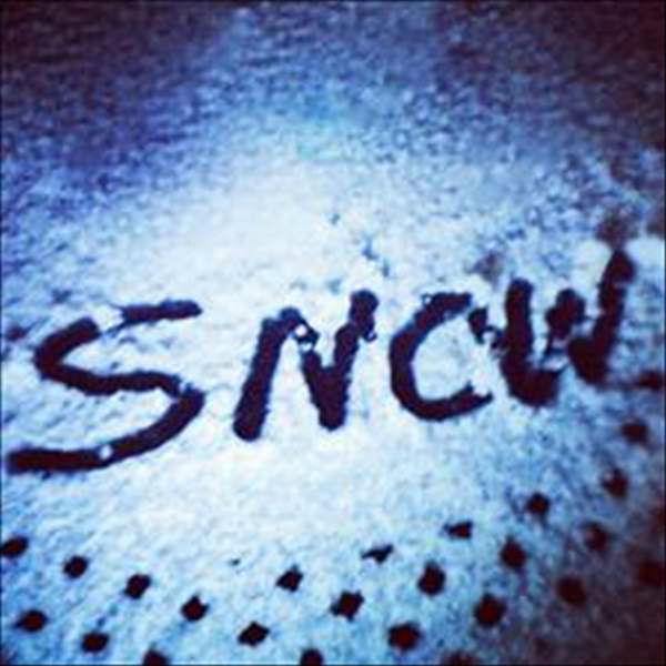 "<div class=""meta image-caption""><div class=""origin-logo origin-image ""><span></span></div><span class=""caption-text"">Snow falls across central North Carolina.  (WTVD Photo/ ABC11 user submitted image))</span></div>"