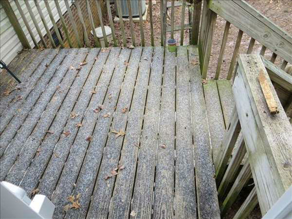 Snow and sleet begin to fall in the Triangle. <span class=meta>(WTVD Photo&#47; Viewer submitted image via uReport)</span>