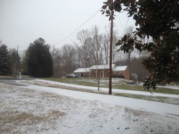 Snow falls around North Carolina. <span class=meta>(WTVD Photo&#47; ABC11 viewer submitted image.)</span>