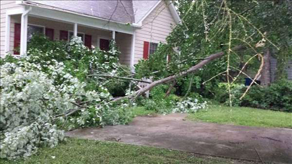 "<div class=""meta image-caption""><div class=""origin-logo origin-image ""><span></span></div><span class=""caption-text"">ABC11 viewers sent in photos from storms moving in across the viewing area Thursday evening. (WTVD Photo/ uReport ABC11 viewer submitted image)</span></div>"