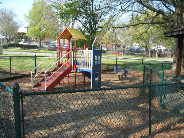 "<div class=""meta ""><span class=""caption-text "">Durham's Oakwood Avenue Park. (WTVD Photo)</span></div>"
