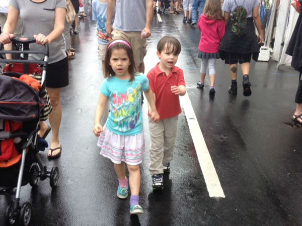 Wet weather put a damper on things at the Artsplosure event in downtown Raleigh Saturday <span class=meta>(WTVD Photo&#47; Lori Denberg)</span>