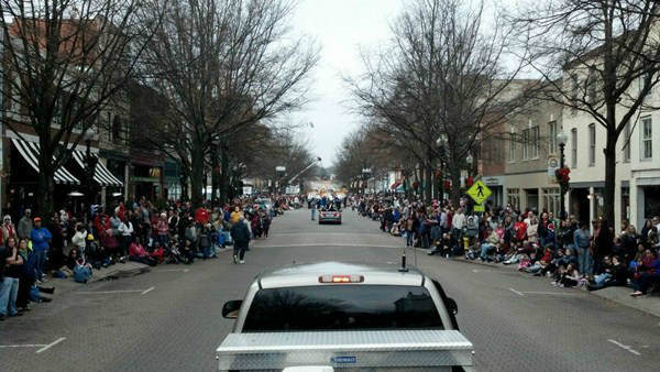 "<div class=""meta ""><span class=""caption-text "">ABC11 was on hand Saturday for the Fayetteville Christmas Parade (WTVD Photo/ Tisha Powell)</span></div>"