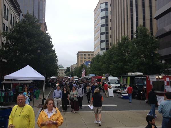 "<div class=""meta ""><span class=""caption-text "">Hundreds turned out Sunday for Raleigh's final food truck rodeo of the season (WTVD Photo)</span></div>"