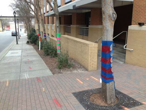 The Glenwood South Neighborhood Collaborative brings outdoor art to Raleigh by having over 150 sweaters placed on trees along Glenwood Avenue and on the side streets.  <span class=meta>(Photo&#47;Tommy Harris, WTVD)</span>