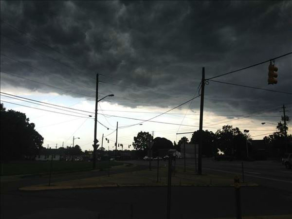 "<div class=""meta ""><span class=""caption-text "">ABC11 viewers sent in photos from storms moving in across the viewing area Thursday evening (WTVD Photo/ ABC11 UReport Photos)</span></div>"