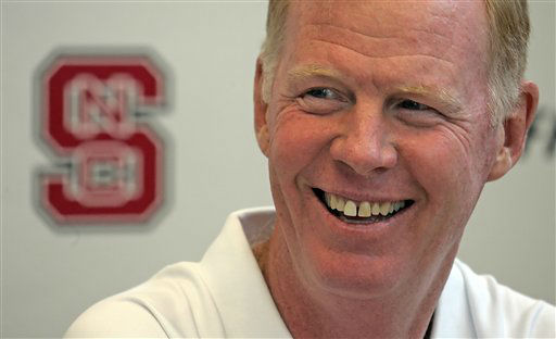 "<div class=""meta ""><span class=""caption-text "">North Carolina State coach Tom O'Brien jokes with the media during a news conference in the Murphy Center at Carter Finley Stadium in Raleigh, N.C., Saturday, Aug. 18, 2007.  (AP Photo/ Karl B DeBlaker)</span></div>"