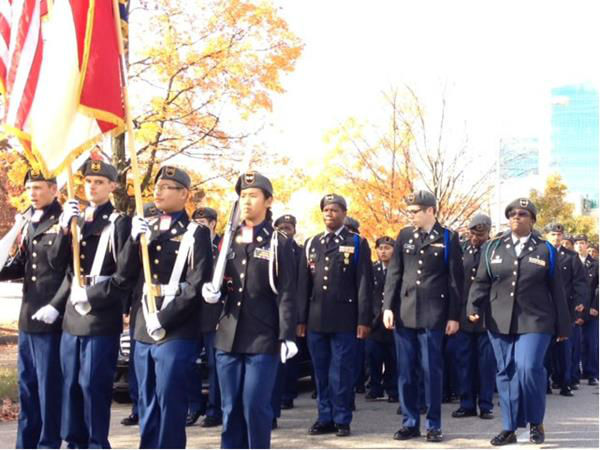 Hundreds gathered in downtown Raleigh to pay tribute to the men and women who have served our country.  <span class=meta>(WTVD Photo&#47; Lori Denberg)</span>