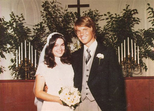 "<div class=""meta ""><span class=""caption-text "">This July 30, 1977, handout photo provided by the Edwards family shows Elizabeth and John Edwards on their wedding day.  (AP Photo/ Edwards Family)</span></div>"
