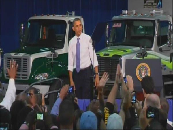 President Obama speaks at a truck factory in Mount Holly, NC. <span class=meta>(WTVD Photo)</span>