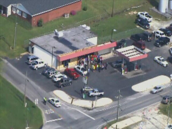 Three were shot at the Hustle Mart, located at Stantonsburg Road and N.C. Highway 121 in Farmville. <span class=meta>(WTVD Photo)</span>