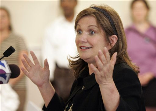 Elizabeth Edwards, wife of former Democratic Presidential candidate, John Edwards, gestures during a press conference on health care at the Capitol  in Richmond, Va., Tuesday, Oct. 7, 2008.   <span class=meta>(AP Photo&#47; Steve Helber)</span>