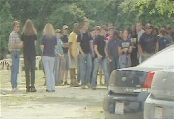 Police and volunteers search in the area where Bordeaux was last seen.   <span class=meta>(WTVD Photo)</span>