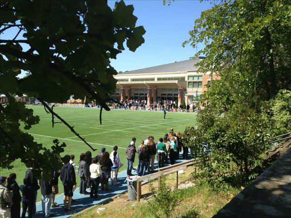 People line up at UNC&#39;s Carmichael Arena to see the President. <span class=meta>(WTVD Photo)</span>