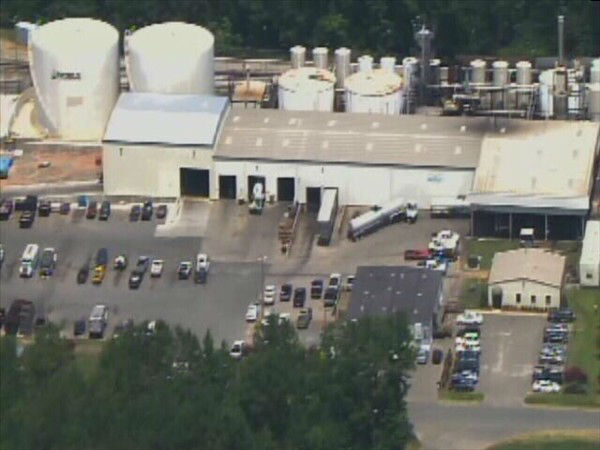 Two people were hurt when the top blew off a tank at Noble Oil Services on Clyde Rhyne Drive in Sanford. <span class=meta>(WTVD Photo)</span>