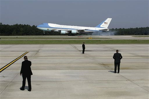"<div class=""meta image-caption""><div class=""origin-logo origin-image ""><span></span></div><span class=""caption-text"">Air Force One, with President Barack Obama aboard, arrives at Raleigh Durham International Airport in Morrisville, N.C., Wednesday, Sept. 14, 2011. (AP Photo/ Jim R. Bounds)</span></div>"