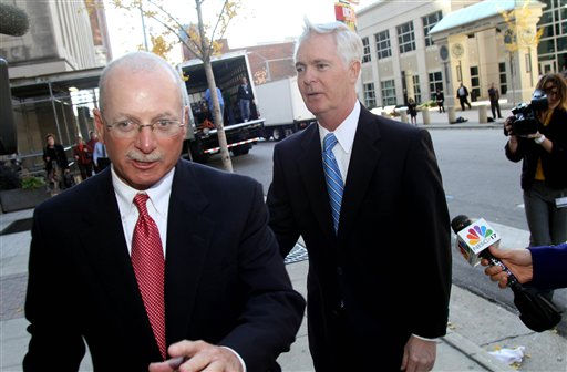 "<div class=""meta ""><span class=""caption-text "">Former North Carolina Gov. Mike Easley, right, arrives at the Wake County Courthouse for a court hearing in Raleigh, N.C., Tuesday, Nov. 23, 2010. The hearing follows a yearlong probe into Easley's campaign finances. The State Board of Elections fined Easley's campaign committee $100,000 in October. Board members referred the case to prosecutors, determining there was enough evidence to show the committee failed to report dozens of flights between 1999 and 2004.  (AP Photo/ Jim R. Bounds)</span></div>"