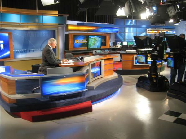 Larry Stogner reads over his stories in the ABC11 studio in Durham. <span class=meta>(WTVD Photo&#47; Ian Slack)</span>