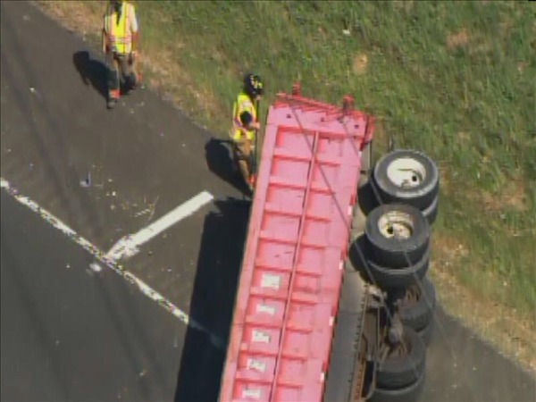Two accidents on southbound I-85 shut down the highway Thursday. <span class=meta>(WTVD Photo&#47; Chopper 11 HD)</span>