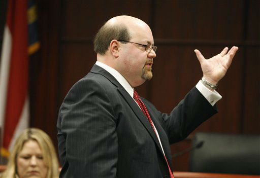 Jason Young&#39;s lawyer Mike Klinkosum makes his opening remarks during Young&#39;s retrial on Monday, Feb. 6, 2012 in Raleigh, N.C. <span class=meta>(AP Photo&#47; Shawn Rocco)</span>