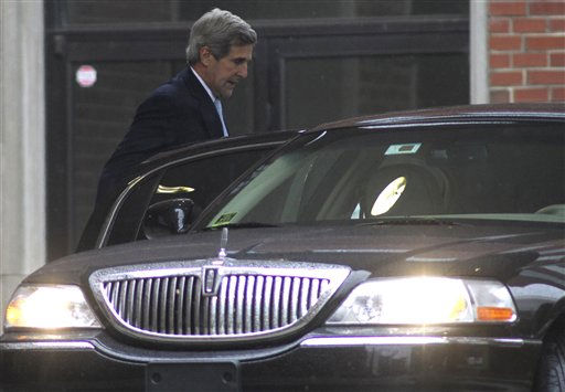 "<div class=""meta ""><span class=""caption-text "">Sen. John Kerry, D-Mass. arrives for the funeral service for Elizabeth Edwards at Edenton Street United Methodist Church in Raleigh, N.C. on Saturday, Dec. 11, 2010. Edwards, the estranged wife of former North Carolina Senator and Democratic presidential hopeful John Edwards, died Tuesday of cancer at the age of 61.  (AP Photo/ Jim Bounds)</span></div>"