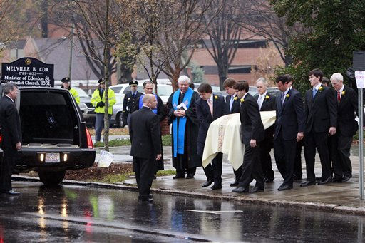 "<div class=""meta image-caption""><div class=""origin-logo origin-image ""><span></span></div><span class=""caption-text"">Pall bearers carry the casket during funeral services for Elizabeth Edwards at Edenton Street United Methodist Church in Raleigh, N.C., Saturday, Dec. 11, 2010. Edwards, the estranged wife of former North Carolina senator and Democratic presidential candidate John Edwards died Tuesday of cancer at the age of 61.  (AP Photo/ Gerry Broome)</span></div>"