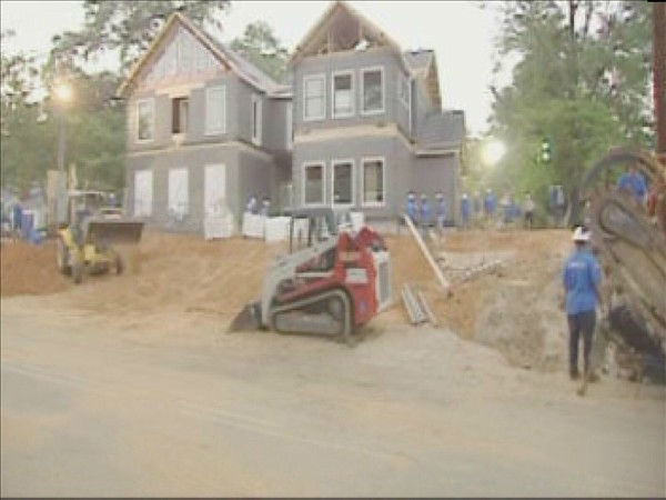 "<div class=""meta ""><span class=""caption-text "">Signs of progress were everywhere on day 4 of the Extreme Makeover Home Edition build in Fayetteville. (WTVD Photo/ Jennifer Kovaleski)</span></div>"