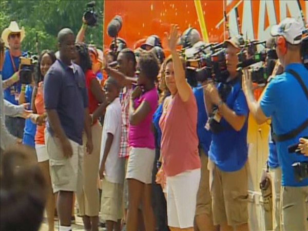 TV cameras wait for the Marshalls to get out of their limo. <span class=meta>(WTVD Photo&#47; Jim Shumacher)</span>