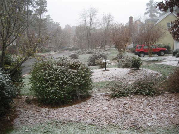 Snow photos submitted by ABC11 viewers from around the Triangle <span class=meta>(WTVD Photo&#47; on 1.00)</span>
