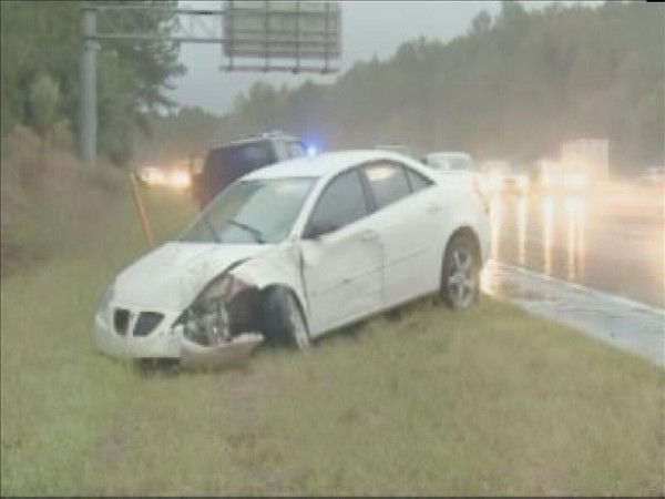 "<div class=""meta ""><span class=""caption-text "">Slippery roads made I-40 hazardous Thursday morning. (WTVD Photo/ Mat Mendez)</span></div>"