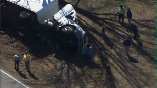 "<div class=""meta ""><span class=""caption-text "">A truck carrying mattresses and box springs flipped over along Highway 96 near Selma late Monday morning, blocking the roadway.  No one was seriously injured. (Photo/Chopper11 HD)</span></div>"