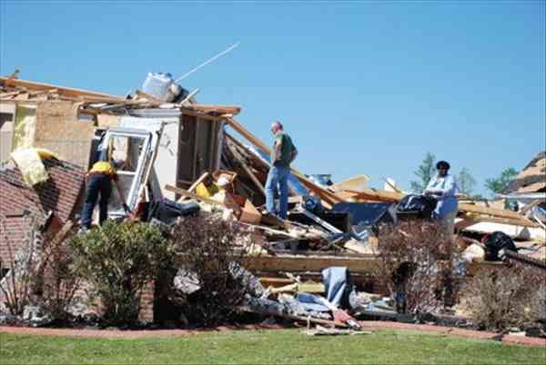 "<div class=""meta ""><span class=""caption-text "">Summerchase Drive in Cumberland County tornado damage. Photos by ABC11 Photojournalist Fred Heggs (Photo/ABC11)</span></div>"
