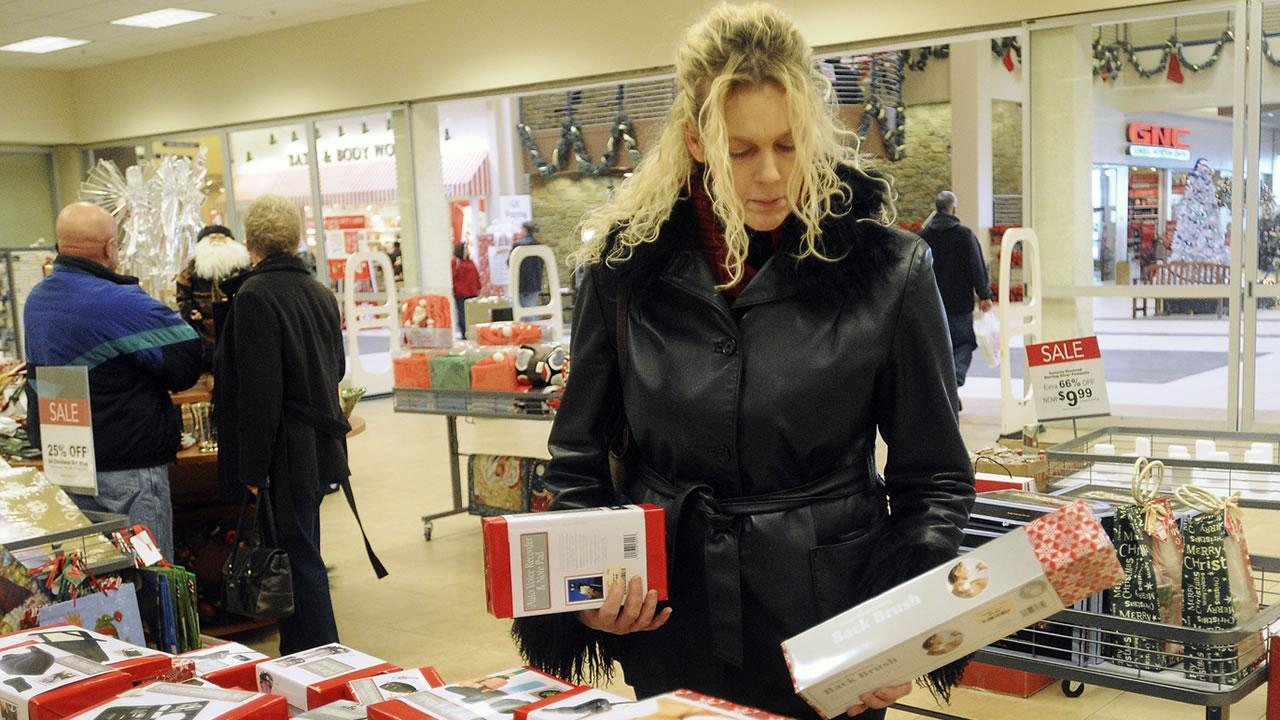 Last Minute shopper Lisa Morris of Nampa, Idaho looks over some items last minute gifts and stocking stuffers at the Burlington Coat Factory in Nampa, Idaho Wednesday morning Dec. 24, 2008.IDAHO PRESS-TRIBUNE, MIKE VOGT