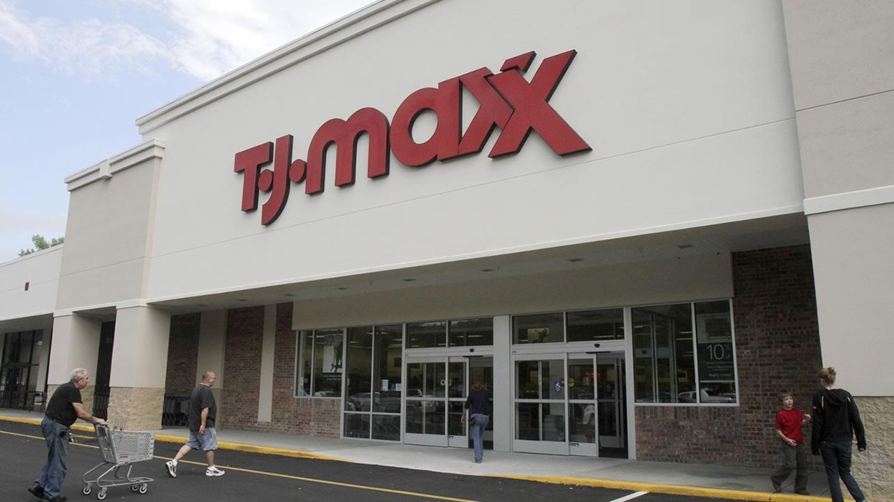Shoppers head into the TJ Maxx store in Barre, Vt., Monday, Aug. 16, 2010.Toby Talbot