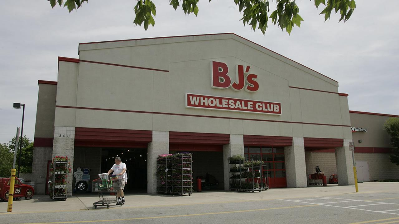 A BJs Wholesale Club store in Conshohocken, Pa., is shown on Tuesday, May 22, 2007. <span class=meta>(George Widman)</span>